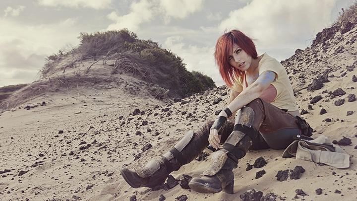 Косплей Лилит в исполнении австралийской модели Ясемин Арслан (Yasemin Arslan), которую можно увидеть в Borderlands 2
