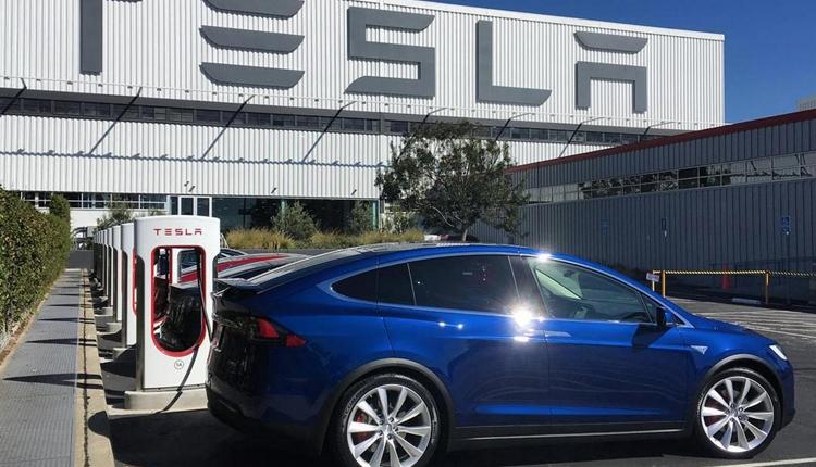 """Производством электромобилей Tesla будет руководить ветеран Audi"""""""
