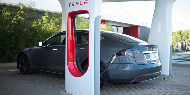 sm.elon-musk-wants-to-share-supercharger