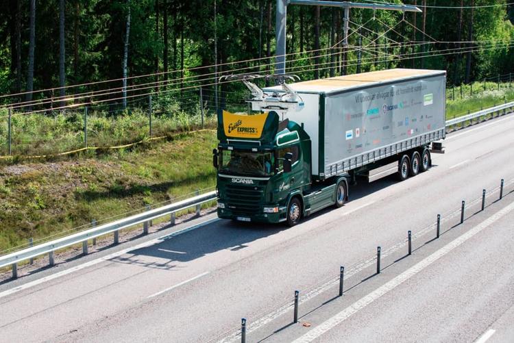 """В Швеции появилась опытная трасса eHighway для электрогрузовиков"""""""