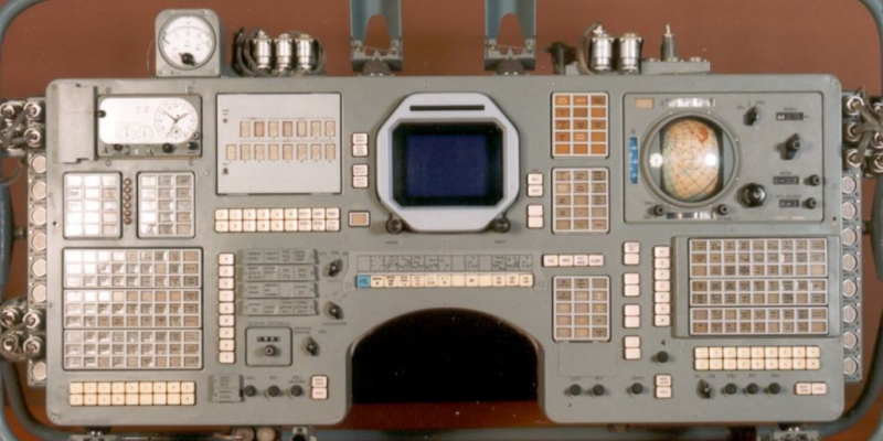 Пульт космонавтов спускаемого аппарата корабля «Союз-Т». Фото с сайта