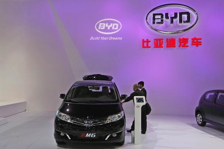 Samsung инвестировала $450 млн в производителя электромобилей BYD