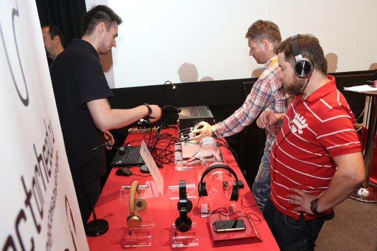 "Pioneer провела презентацию новых наушников и устройств Home audio"""