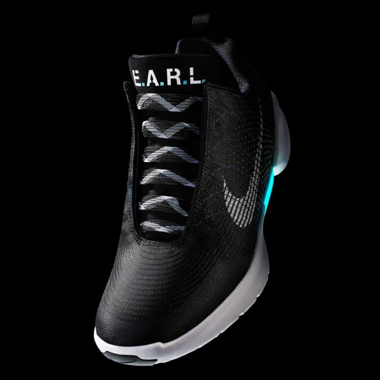 """Самозашнуровывающиеся кроссовки Nike поступят в продажу 28 ноября"""""""