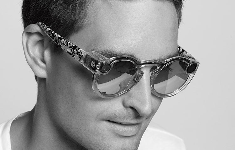 Snapchat представила умные очки за $130 ипереименовалась вSnap