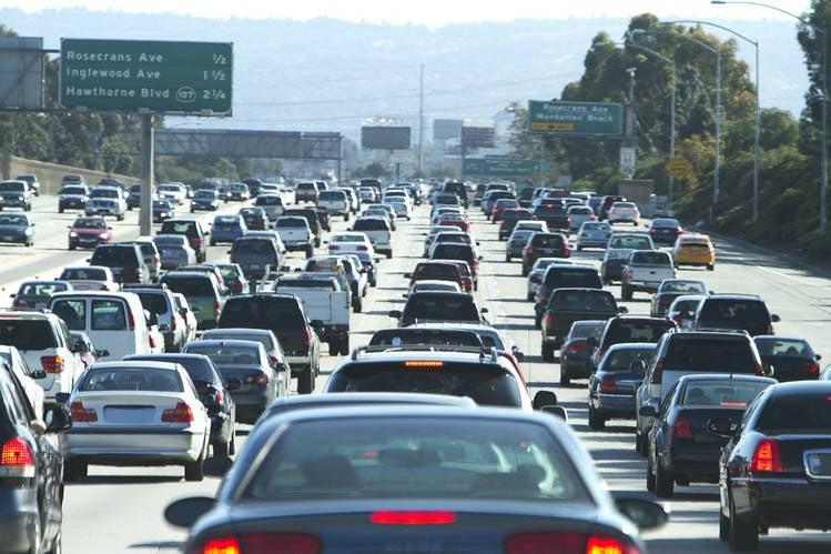 Ещё два автопроизводителя тестируют самоходные машины в Калифорнии