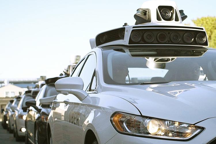Глава Uber считает, что самоуправляемые машины не скоро заменят водителей