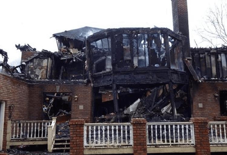 Загоревшийся гироскутер уничтожил особняк стоимостью $1 млн