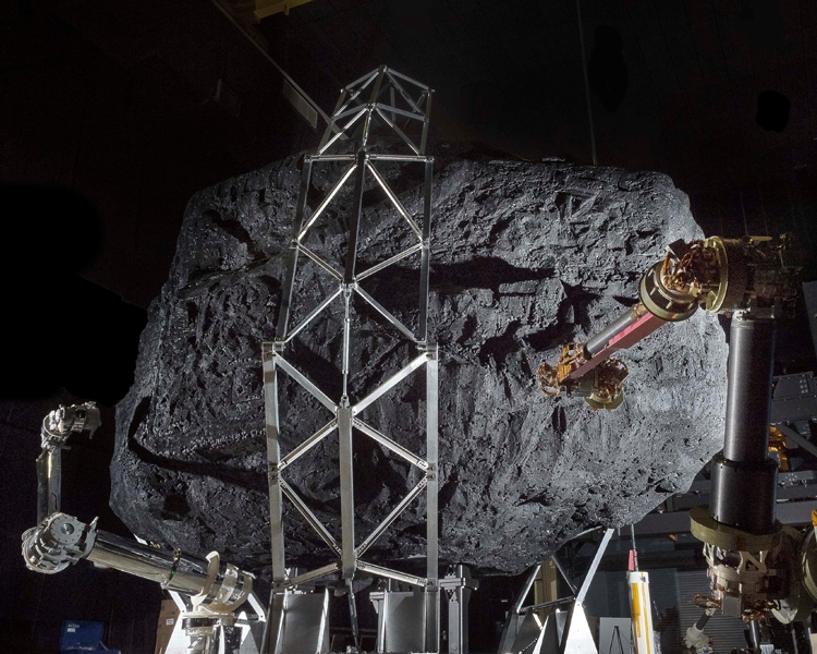 NASA тестирует прототип системы захвата гигантского образца астероида