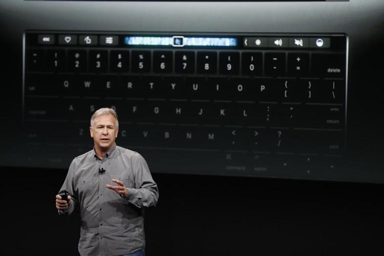 Почему уновых MacBook Pro нет слота для SD-карт