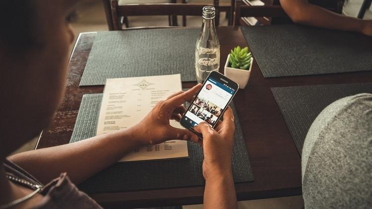 В России Instagramзарабатывает на рекламе больше, чем Facebook