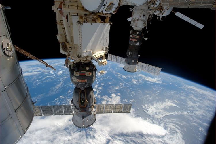 Готовить космонавтов к полёту на Марс Россия намерена совместно с США