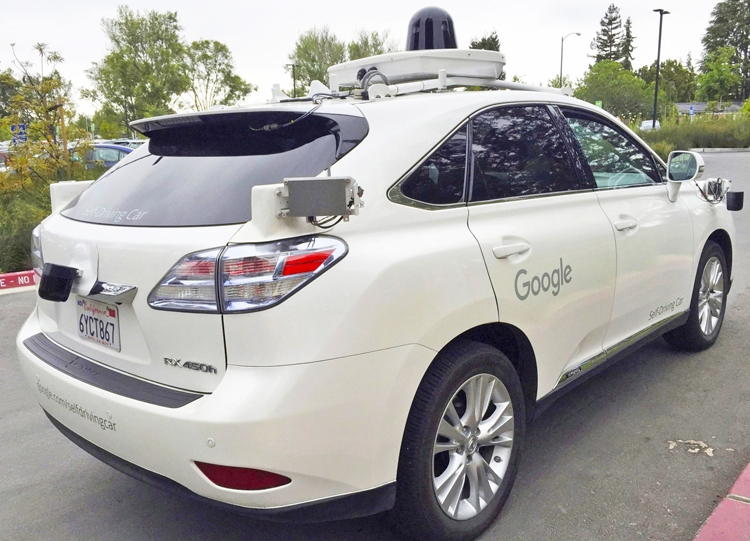 Google научила робомобили развороту в три приёма