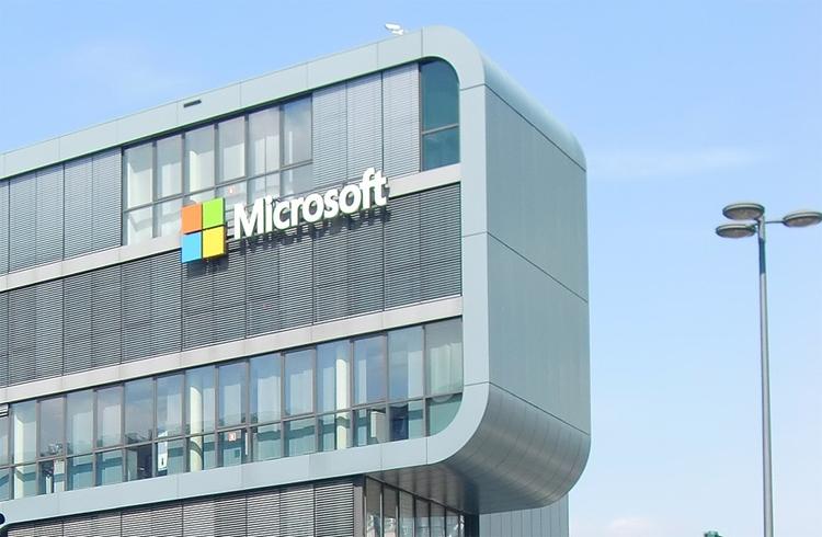 Microsoft полностью подчинилась закону о персональных данных