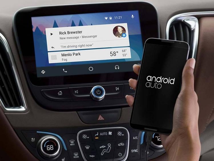 Facebook Messenger теперь может работать в связке с Android Auto