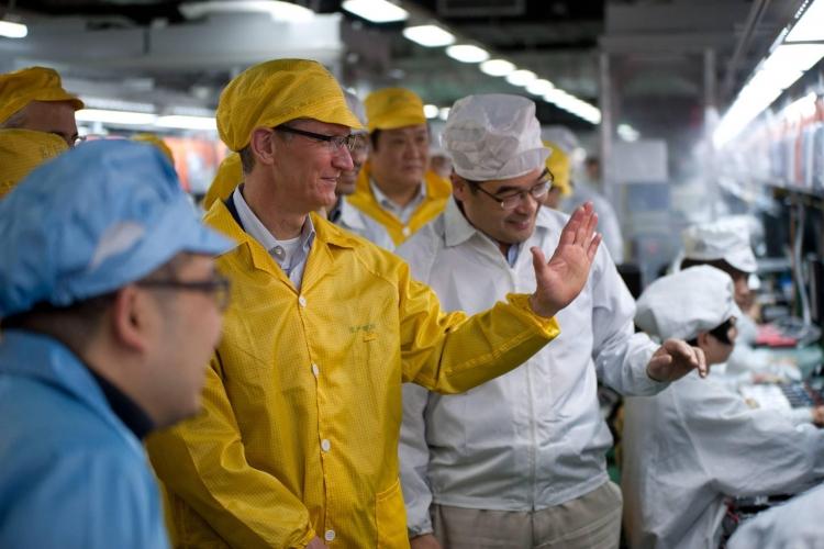 Apple рассматривает возможность переноса производства iPhone в США