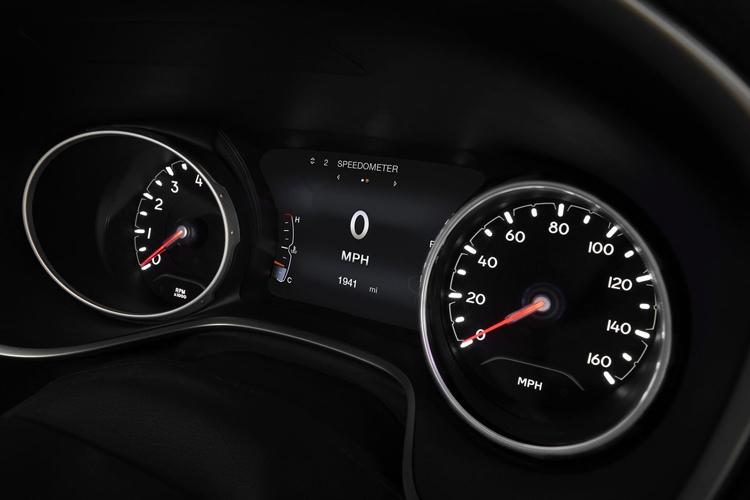 Обновлённый Jeep Compass предстал с единственным двигателем