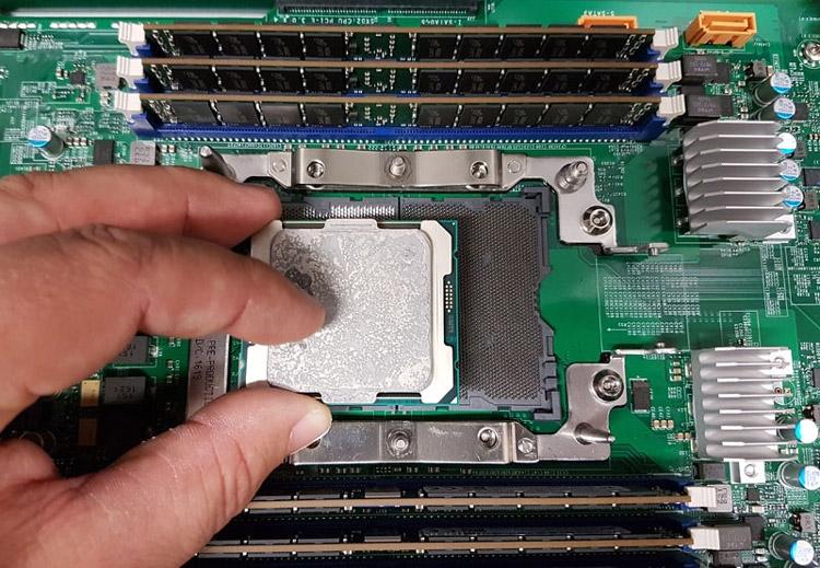 Плата Supermicro K1SPE с гнездом LGA3647 и «малыш» Xeon E5 v4 (Broadwell-EP)