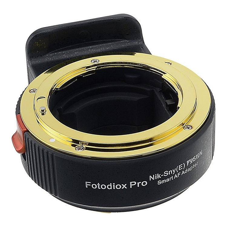 Адаптер Fotodiox подружит объективы Nikon с камерами Sony