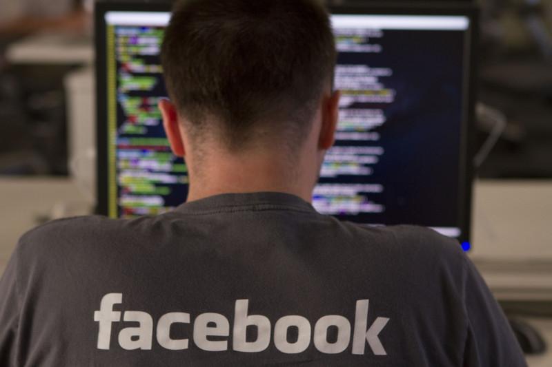 Благодаря новому инструменту для цензуры Facebook может вернуться в Китай