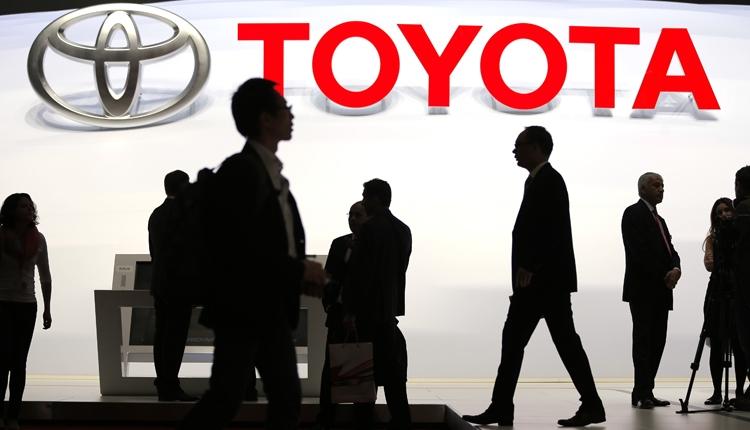 Toyota улучшит характеристики аккумуляторов для электромобилей