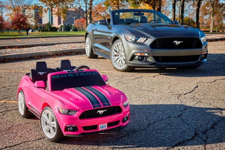 Ford оснастила детский электромобиль Mustang «трекшн-контролем»