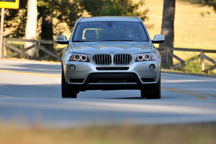 BMW отзывает 30 тыс. кроссоверов в Россиииз-за проблем с креплениями Isofix
