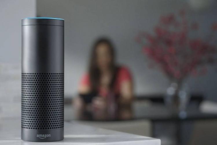 Amazon готовит голосового помощника для дома с большим дисплеем