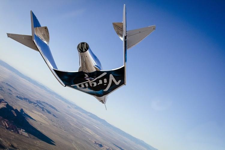 Космический корабль Virgin Galactic совершил первый свободный полёт