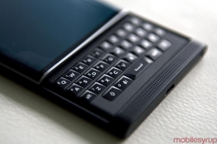 Мобильные телефоны Blackberry будет выпускать компания TCL