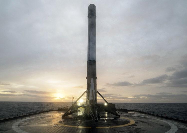 Ракета-носитель Falcon 9 удачно вывела наорбиту 10 спутников
