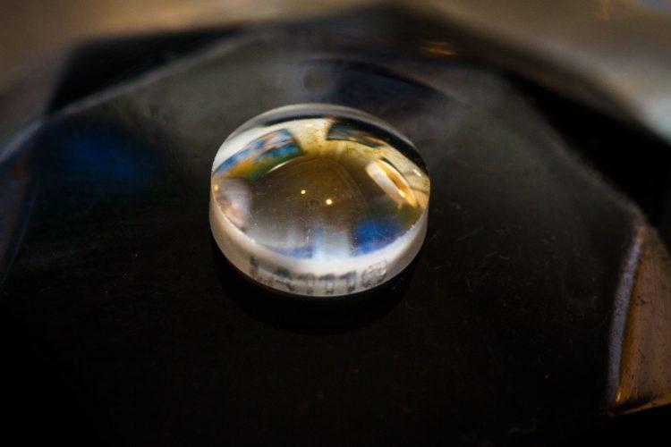 алмазное защитное стекло стать уникальной фишкой производителей
