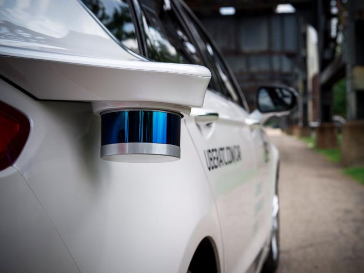 """Uber отвергла обвинения Google в краже технологии для самоуправляемых автомобилей"""""""