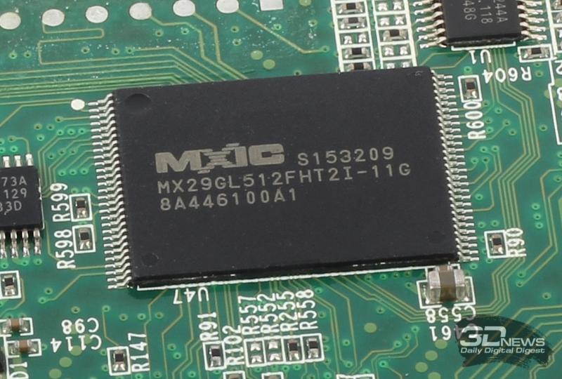 Один из двух модулей флеш-памяти Macronix MX29GL512FHT2I-11G