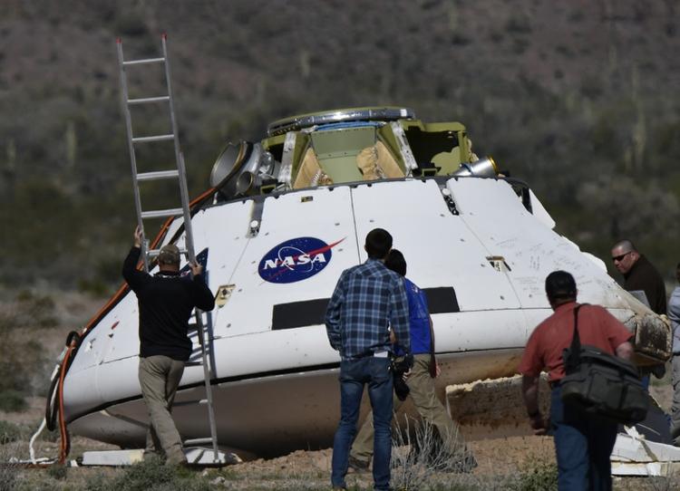 """Успешно испытана парашютная система космического корабля Orion"""""""