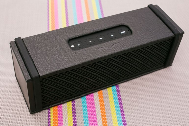 """Bluetooth-колонка V-MODA REMIX получила встроенный усилитель для наушников"""""""