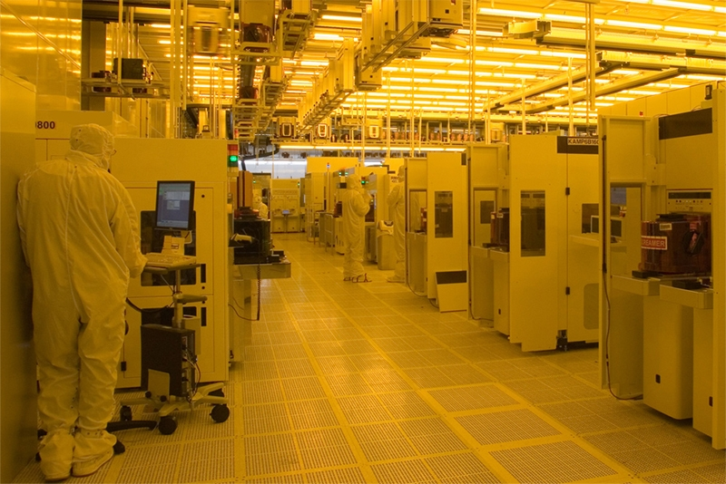 Дефицит памяти сохраняется — производители чипов DRAM стригут купоны