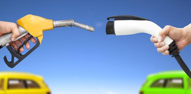 Франция введёт запрет на бензиновые и дизельные автомобили к 2040 году
