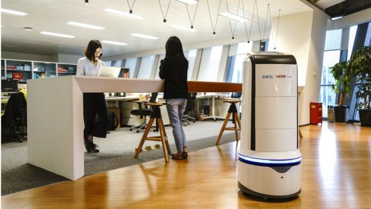 Роботы-курьеры начнут развозить обеды по офисным центрам