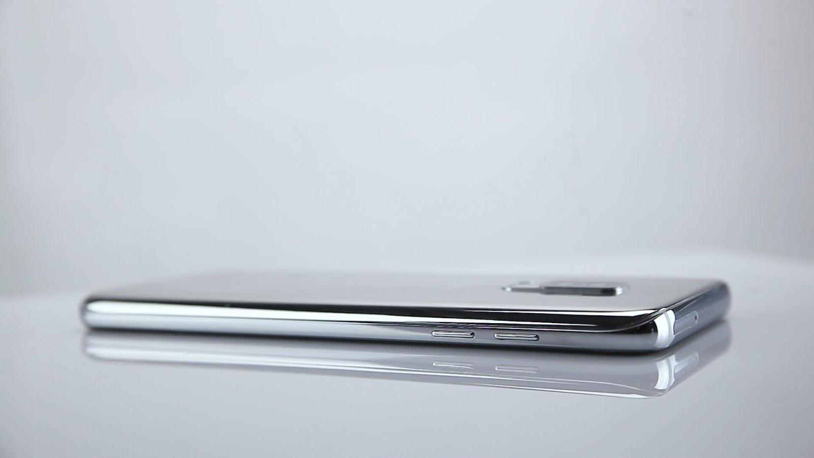 Официальное видео распаковки безрамочного смартфона Bluboo S8+
