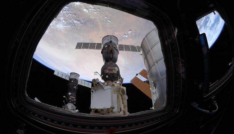 умные материалы помогут обеспечении безопасности космической техники