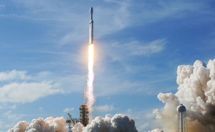 Видео дня: вдохновляющий ролик запуска Falcon Heavy от авторов «Мира Дикого Запада»