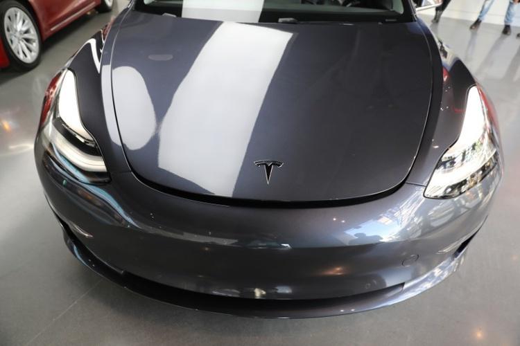 Tesla останавливала производство Model 3 в феврале