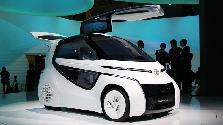 Toyota унифицирует батареи для электрокаров и бытового применения
