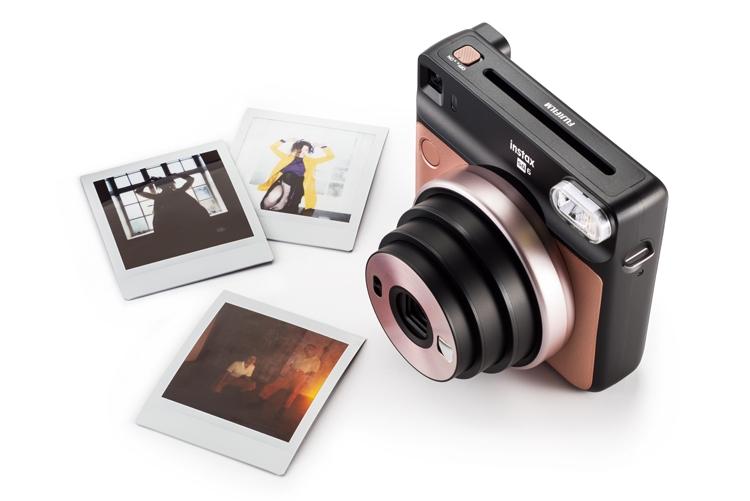 Fujifilm Instax SQ6: аналоговая фотокамера для получения квадратных снимков