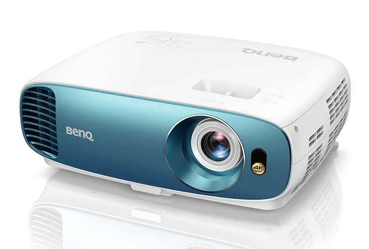 Домашний проектор BenQ TK800 с поддержкой 4K и HDR воспроизведёт атмосферу стадиона