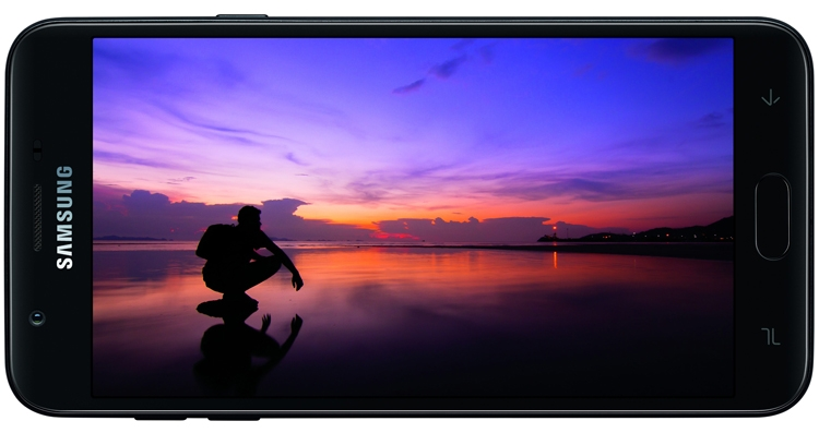 Смартфоны Samsung Galaxy J3 (2018) и J7 (2018) получили экран HD