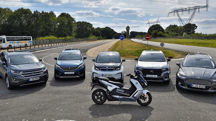 Автомобили разных производителей научились общаться через платформу C-V2X