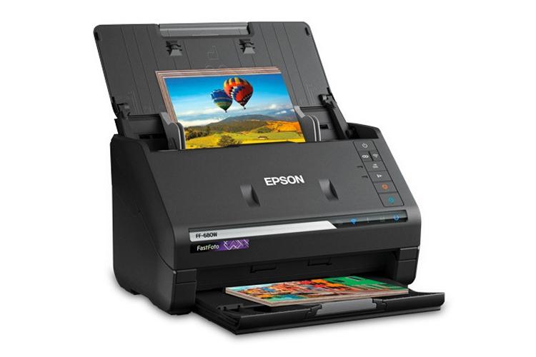 Epson выпустила самый быстрый в мире персональный фотосканер