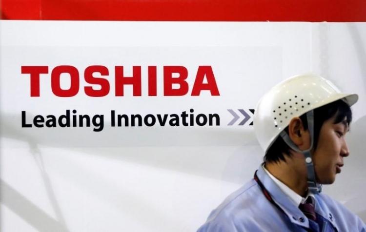 Чистая прибыль Toshiba оказалась больше выручки